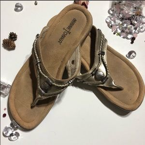 Minnetonka Silver Thong Leather Sandals